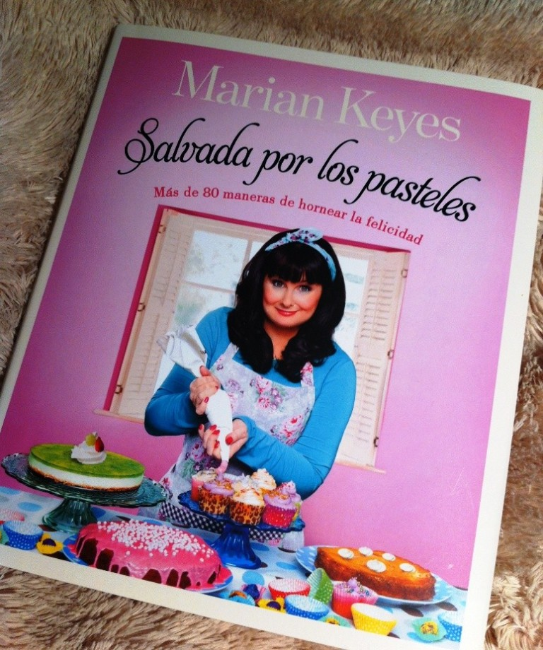Marian_Keyes_Salvada_por_los_pasteles_azucarglassymas